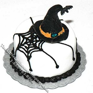 Dollhouse Scale Model Witch's Hat/Spider Web Cake
