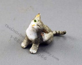 Dollhouse Scale Model Scratching Cat