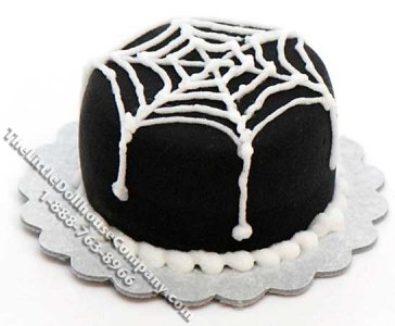 Dollhouse 1/2 Scale Model Spider Web Cake