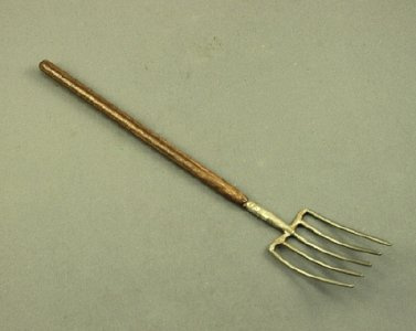 Dollhouse Scale Model Pitch Fork