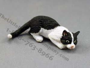 Dollhouse Scale Model Hunting Cat