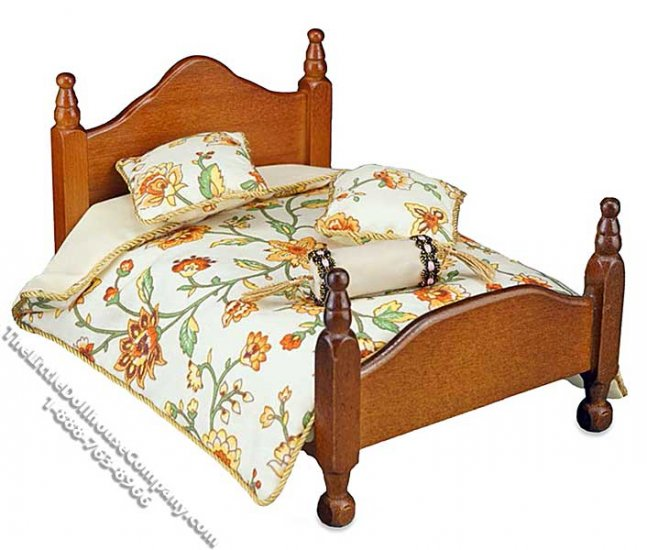 Miniature Queen Size Bed Comforter Set for Dollhouses - Click Image to Close